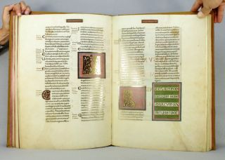 DAS GOLDENE EVANGELIENBUCH VON ECHTERNACH. CODEX AUREUS EPTERNACENSIS. [THE GOLDEN GOSPEL BOOK OF ECHTERNACH].